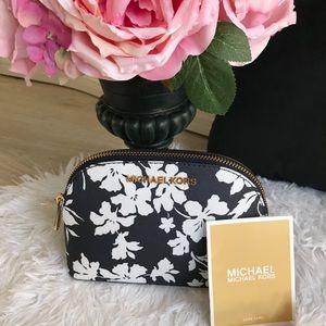 MICHAEL KORS TRAVEL COSMETIC BAG